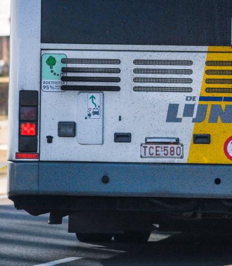 Man (20) die buschauffeur in Hulst met mes neerstak blijft 3 maanden langer in de cel