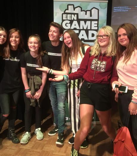 EenGameStad in De Drie Linden in Prinsenbeek, 'Zo vaak kom je niet een YouTuber tegen'
