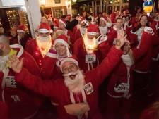 Gezelligheid tijdens Santa Fun Run in Harderwijk