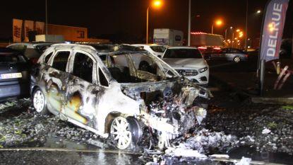 """Opnieuw wagen in brand bij Delrue Rent Services in Roeselare: """"Brute pech"""""""