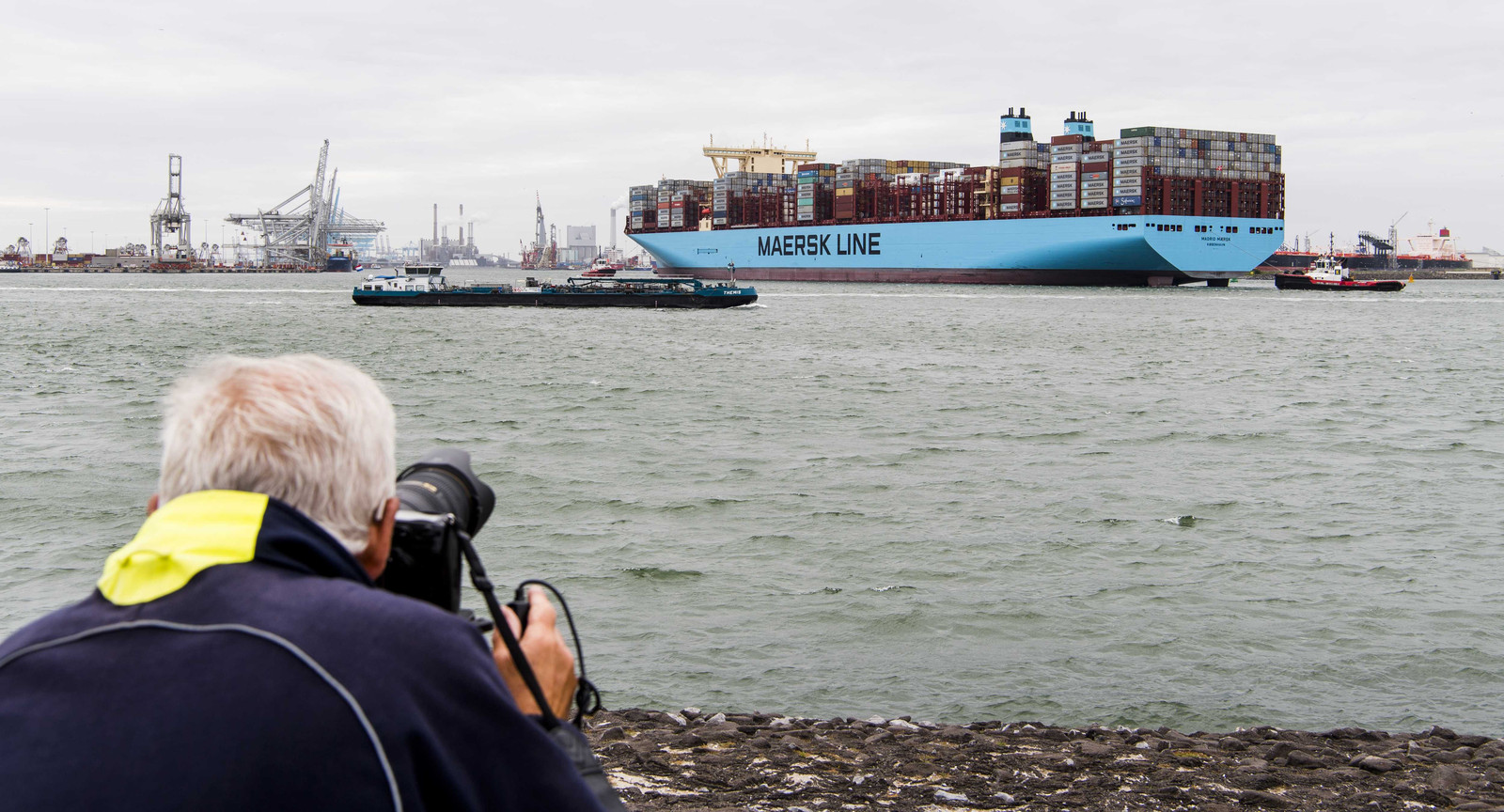 Rotterdam verwelkomt containerreus Madrid Maersk | Rotterdam