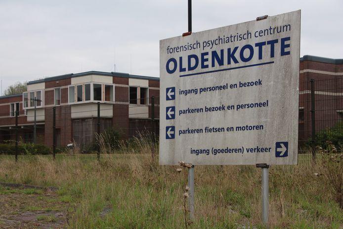 Het complex van de jaren geleden gesloten tbs-kliniek Oldenkotte in Rekken.