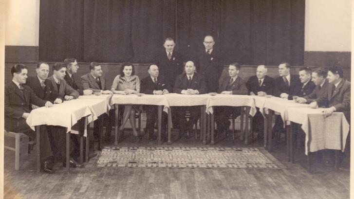 Bestuur eerste Minijto, Veghel 1947