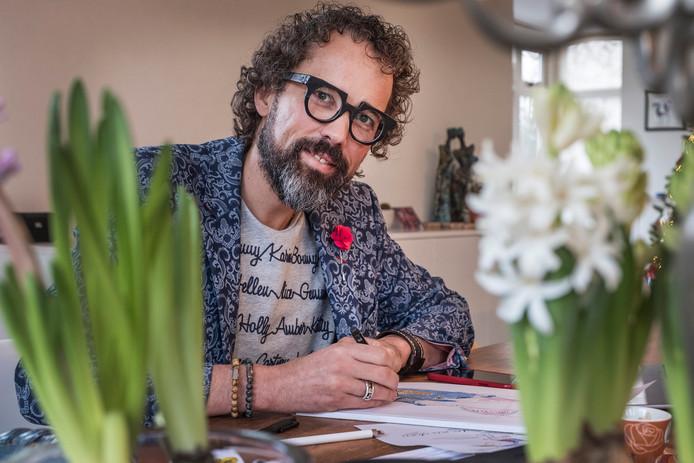 Marc-Jan Janssen uit Ottersum is zowel gynaecoloog-oncoloog als tekenaar van cartoons.