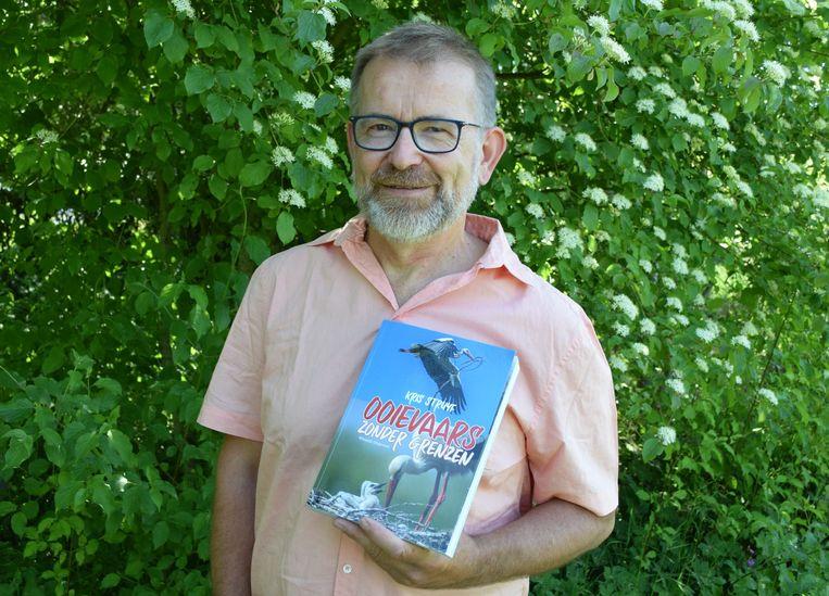 Kris Struyf schreef een autobiografisch, wetenschappelijk boek over het unieke ooievaarsproject in Planckendael.