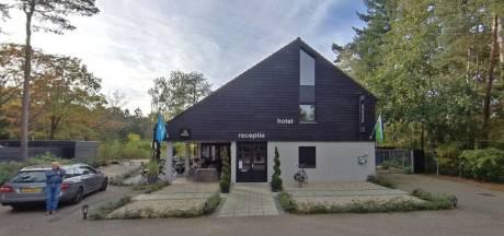 Parkbewoners Bosrijk in Lochem verdeeld over campers en bedrijfswoning bij Raad van State