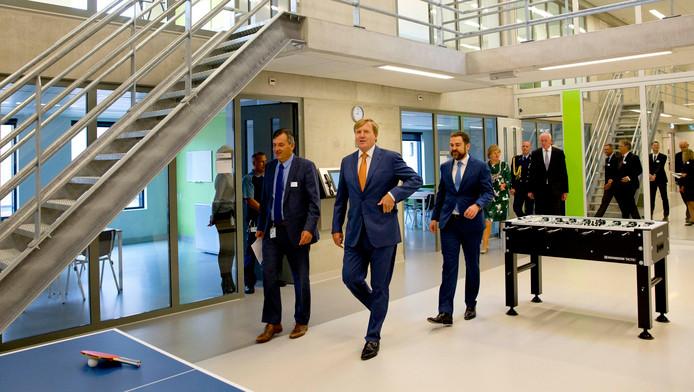 Koning Willem-Alexander in de nieuwe gevangenis in het Justitieel Complex Zaanstad
