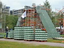 Enschede wil grootste bierkrattenbrug ter wereld