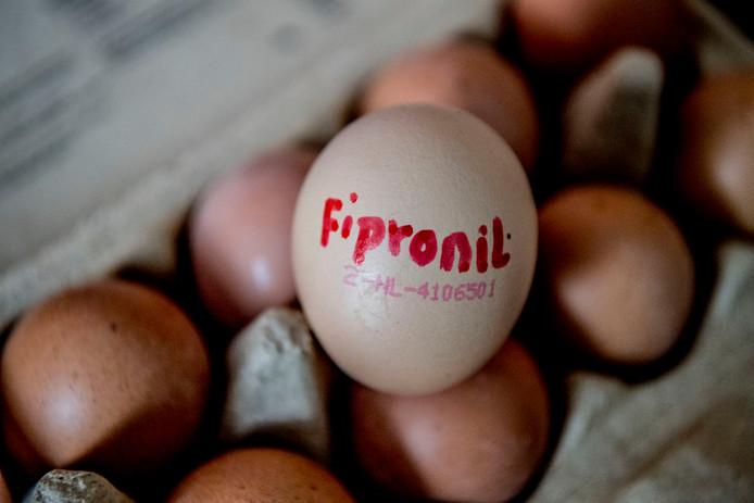 Naar aanleiding van de fipronilcrisis die veel pluimveebedrijven vorig jaar trof, komen er meer en scherpere controles van eieren.