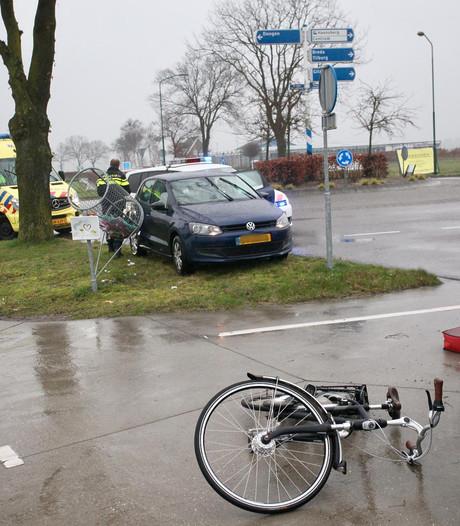 Fietser gewond bij aanrijding in Rijen
