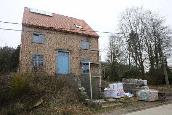 Ook in deze woning in aanbouw op het Oudenbos in Rillaar werd een plantage ontdekt.