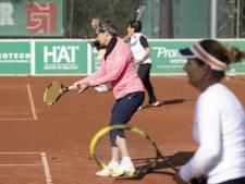 Tennisclubs Boxtel doen oproep aan inwoners: 'Ga niet thuis zitten, kom tennissen'