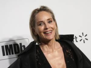 """Sharon Stone toujours active sur les sites de rencontre: """"Je recherche une relation sérieuse"""""""