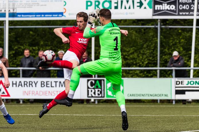 Hielke Penterman scoorde zaterdagmiddag twee keer in de derby tegen SVZW die eindigde in 1-2 voor Excelsior'31 (archieffoto).