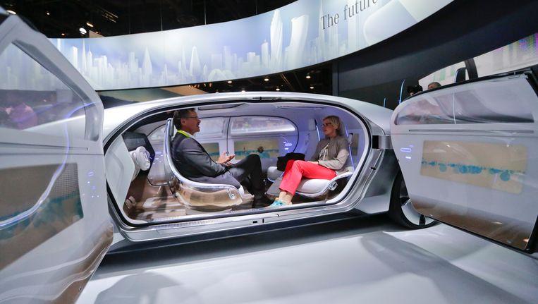 Concept van een slimme auto door het Duitse merk Mercedes.