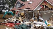 Dolgedraaide aannemer vernielt gloednieuwe huizen omdat klanten hun facturen niet betalen