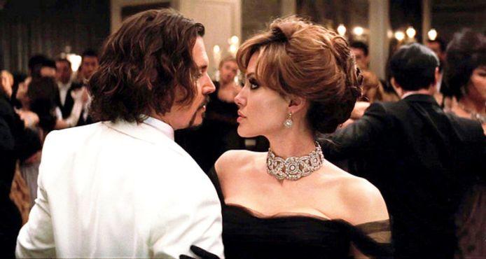 """Johnny Depp vindt Angelina """"een aartsmoeilijk mens""""."""