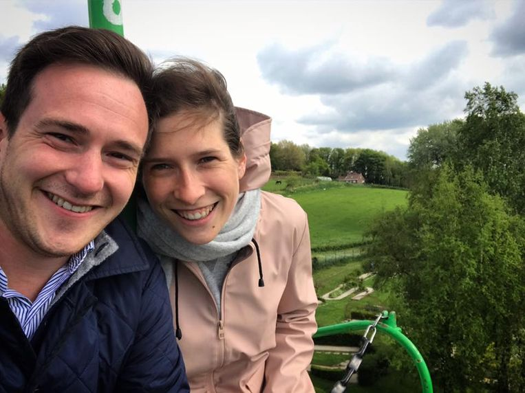 Justine is samen met Francesco Vanderjeugd, burgemeester van haar thuisgemeente Staden.