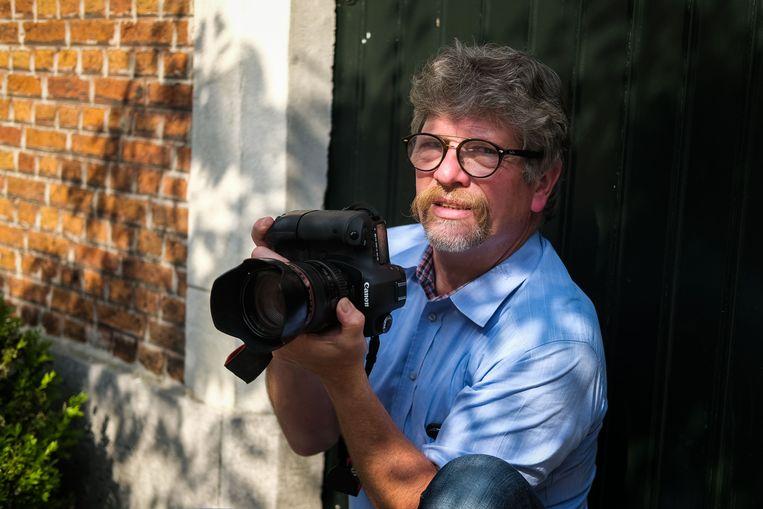 De Boomse fotograaf Jo De Groote is bezig met een nieuw project: hij maakt foto's van mensen met een beperking.