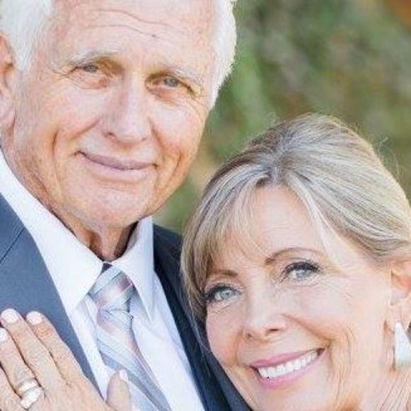 Ron Ely met zijn echtgenote Valerie Lundeen.