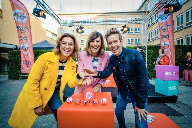 Ambassadeurs Evi Hanssen, Birgit Van Mol en Jonas Van Geel stellen de nieuwe neuzen voor.