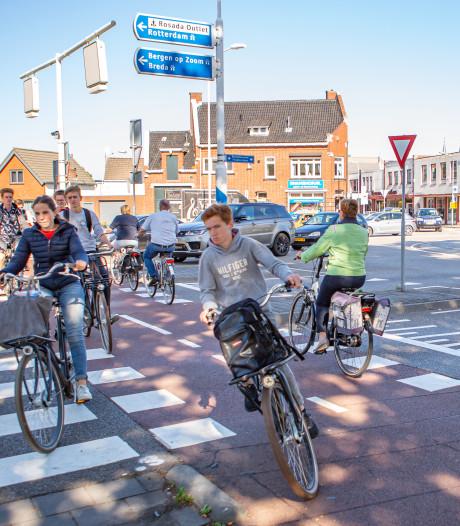 Kritiek op opgeknapte rotonde Burgemeester Freijterslaan in Roosendaal: 'Het blijft onveilig'