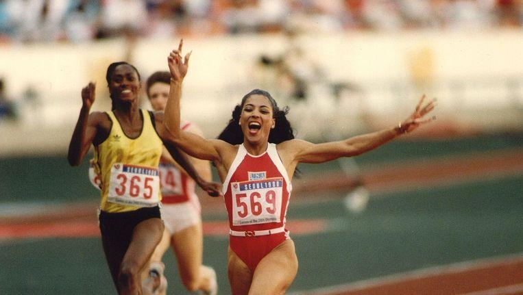 Florence Griffith zet in '88 het wereldrecord op de 200 meter Beeld anp