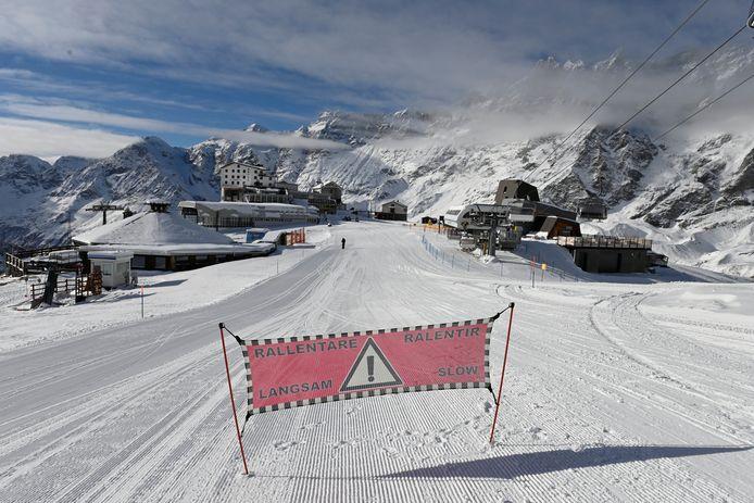 Een leeg skiresort in Breuil-Cervinia.
