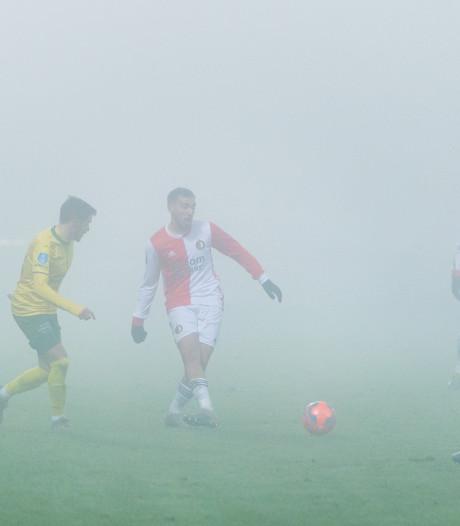 Bekerduel tussen Fortuna en Feyenoord gestaakt wegens potdichte mist
