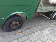 Politie zoekt twee jongetjes voor stelen uit auto en lek steken banden in Rheden