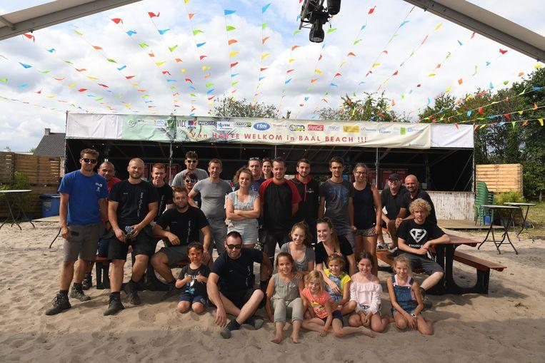 De vrijwilligers op Baal Beach