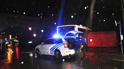 Fietser (17) belandt onder bus vol schoolkameraadjes