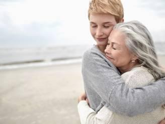 """Zorgen voor je seniore ouders: hoe ga je om met hun noden, koppigheid en eventuele gedragsproblemen? """"Vaak durven ze niet te zeggen dat er iets schort"""""""