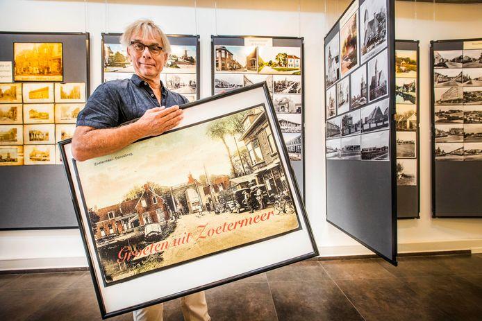 Niek Nieuwenhuijsen heeft een tentoonstelling met 100 jaar ansichtkaarten bij het Historisch Genootschap Oud Soetermeer.