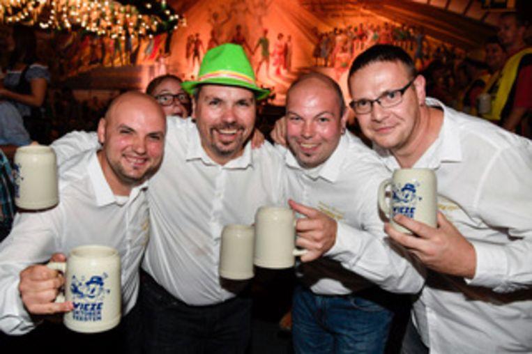De vier vrienden uit Aalst amuseerden zich op de Oktoberfeesten.