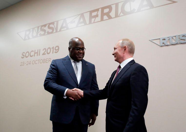 Russisch president Poetin ontmoet de Congolese president Félix Tshisekedi  tijdens de eerste Russisch-Afrikaanse top.