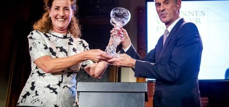 Ivo van Hove neemt Johannes Vermeer Prijs in ontvangst