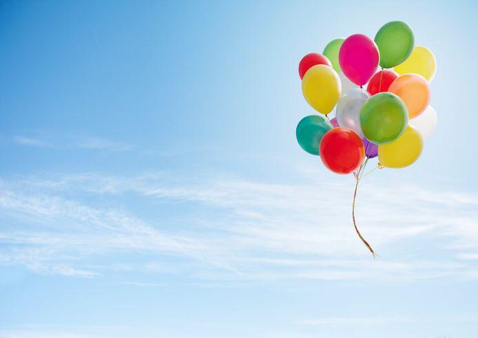 De ballonnen vervuilen de natuur en zorgen voor sterfte onder dieren.