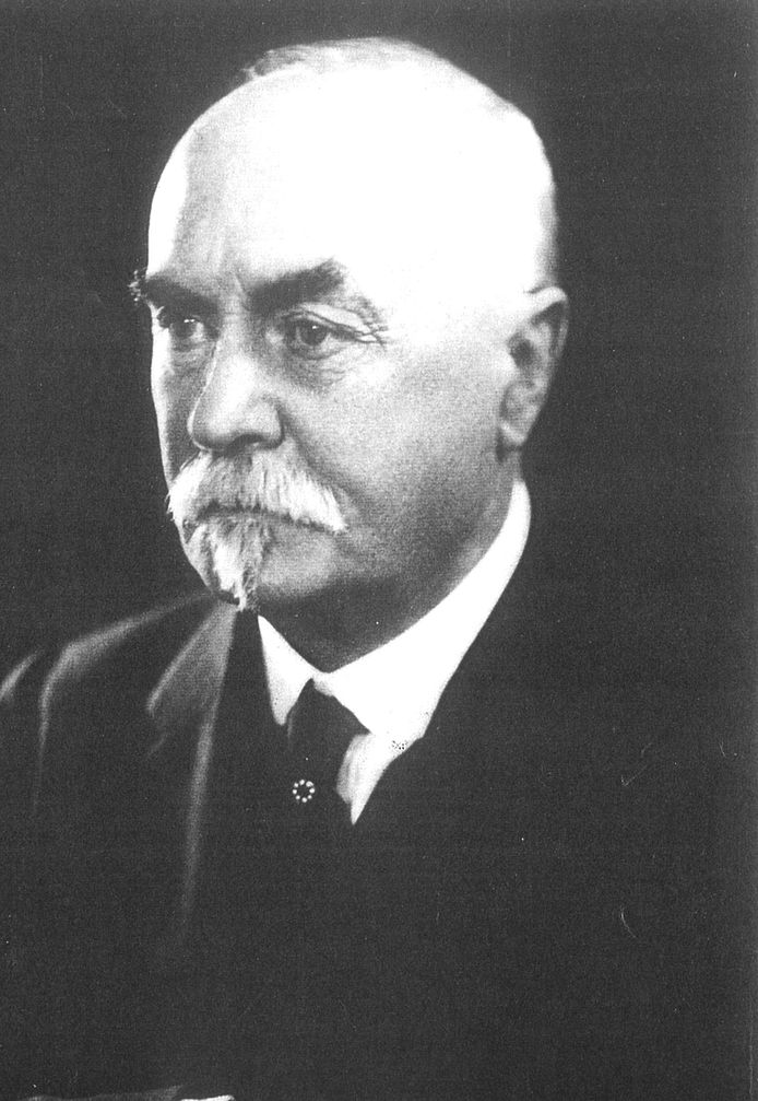 Sir Reginald Blomfield ontwierp de Menenpoort.
