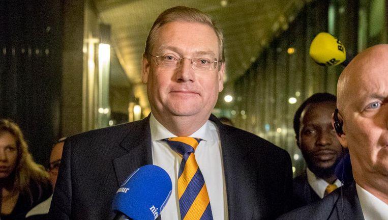 Minister Ard van der Steur (Veiligheid en Justitie) verlaat de Tweede Kamer na zijn aftreden. Beeld anp