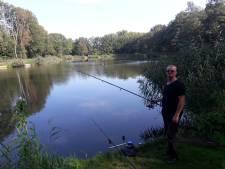 Rustige vissersdag op vervuilde visvijver in Westerhoven