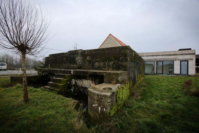 Deze bunker is een van de drie Duitse bouwwerken die beschermd wordt als monument.