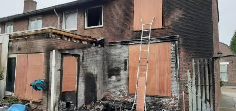 Huis van echtpaar uit Oss onbewoonbaar na brand: 'Onze brandblusser deed het niet'