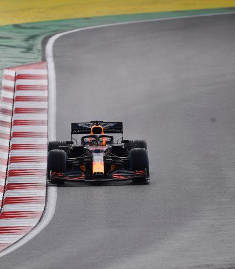 Hamilton in stijl naar historische zevende wereldtitel, bijrol spinnende Verstappen