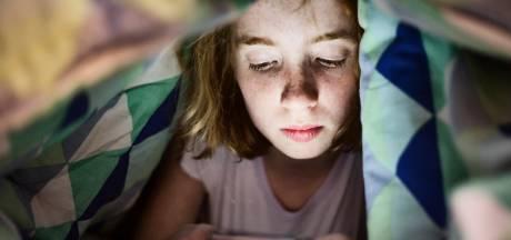 's Avonds op je smartphone zitten schadelijker dan tv kijken
