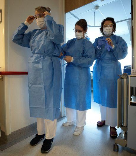 Huisartsen vrezen code zwart ziekenhuizen; gepensioneerde collega's springen bij