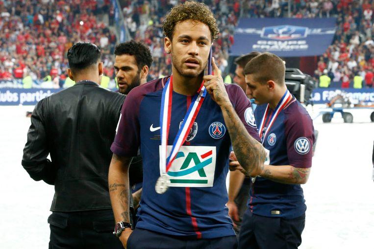 Ook Neymar deelde in de feestvreugde.