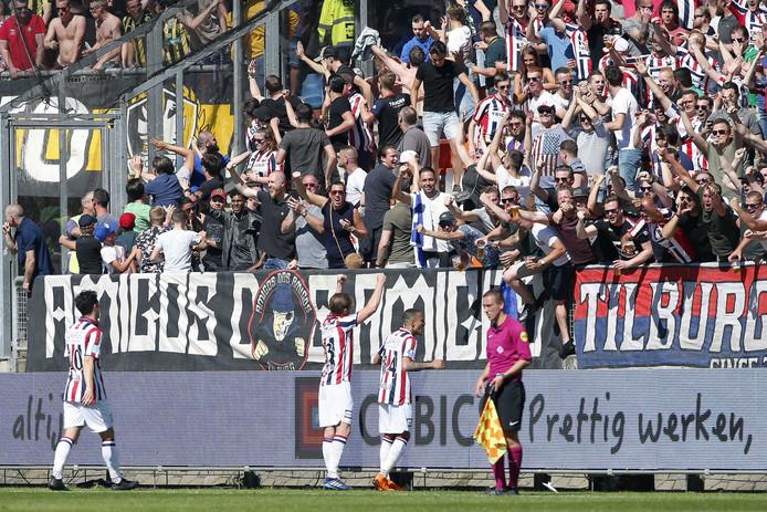 Ben Rienstra heeft Willem II op 2-1 gezet tegen Vitesse.