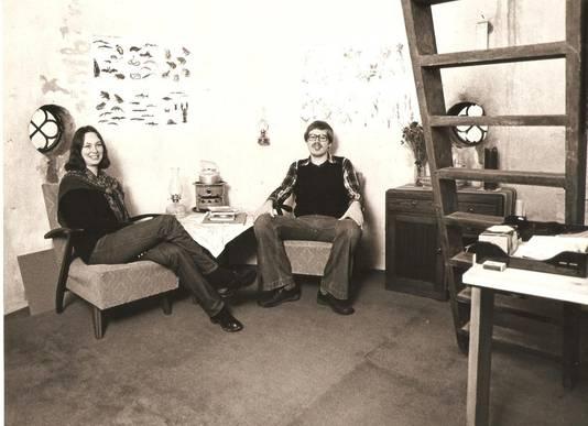 Monique Ubaghs met voormalig eigenaar Jan Overweel in 1978 in de watertoren bij Heinenoord