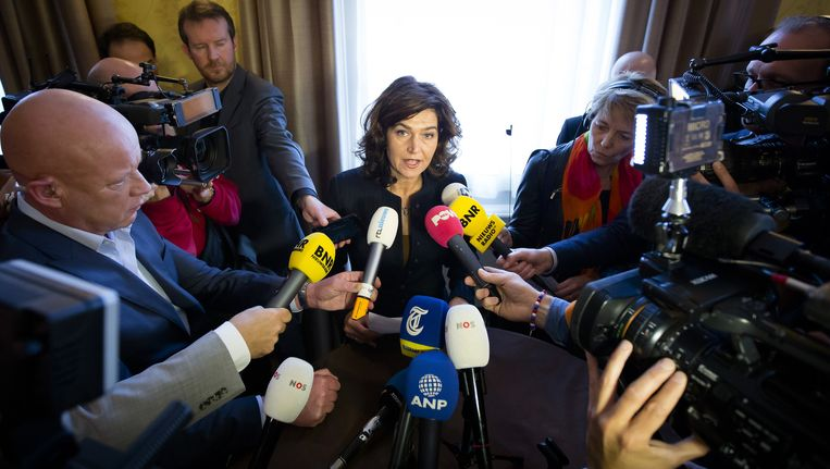 Kamervoorzitter Anouchka van Miltenburg geeft na afloop van de presidiumvergadering een verklaring. Beeld null